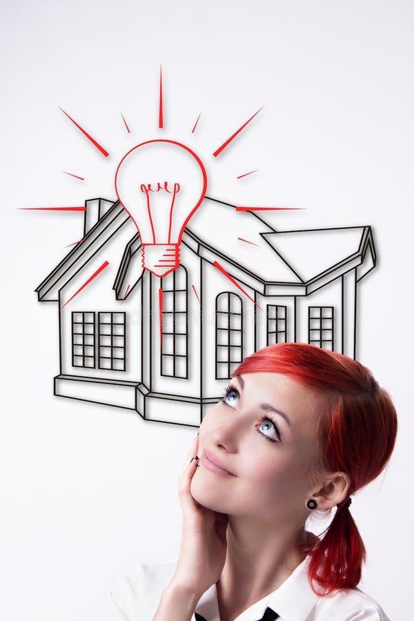 Rödhåriga flickadrömmar av dina egna hem arkivfoton