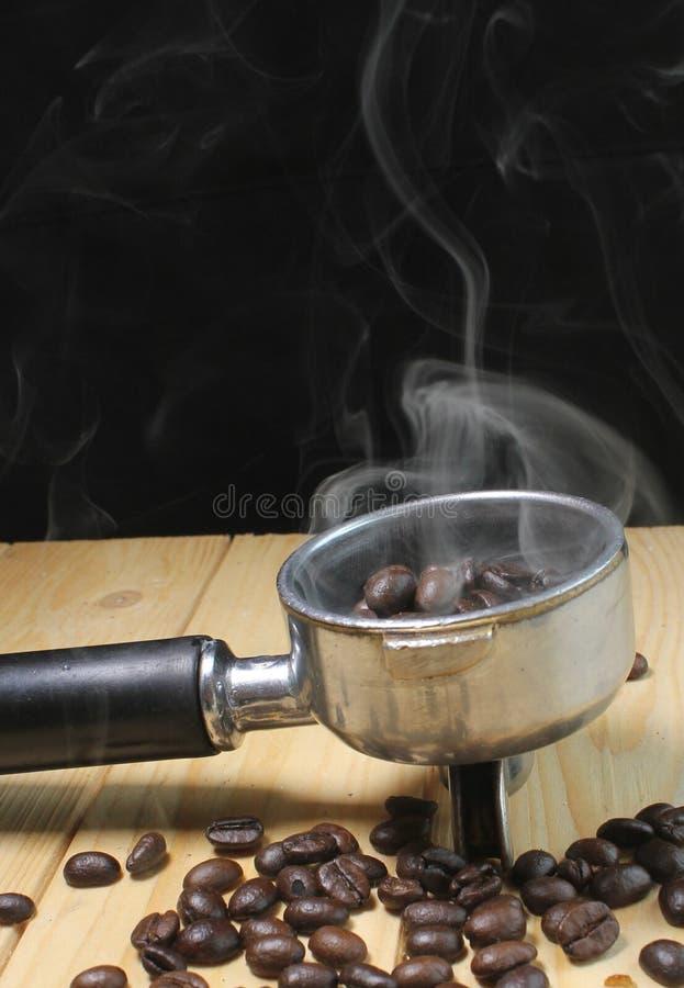 Rök för kaffebönor arkivfoton