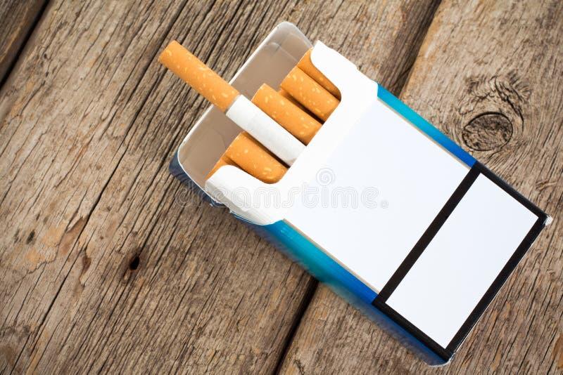 Röka-dålig vana arkivbilder