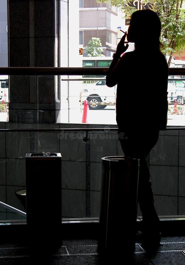 Rökande Kvinna Royaltyfria Bilder