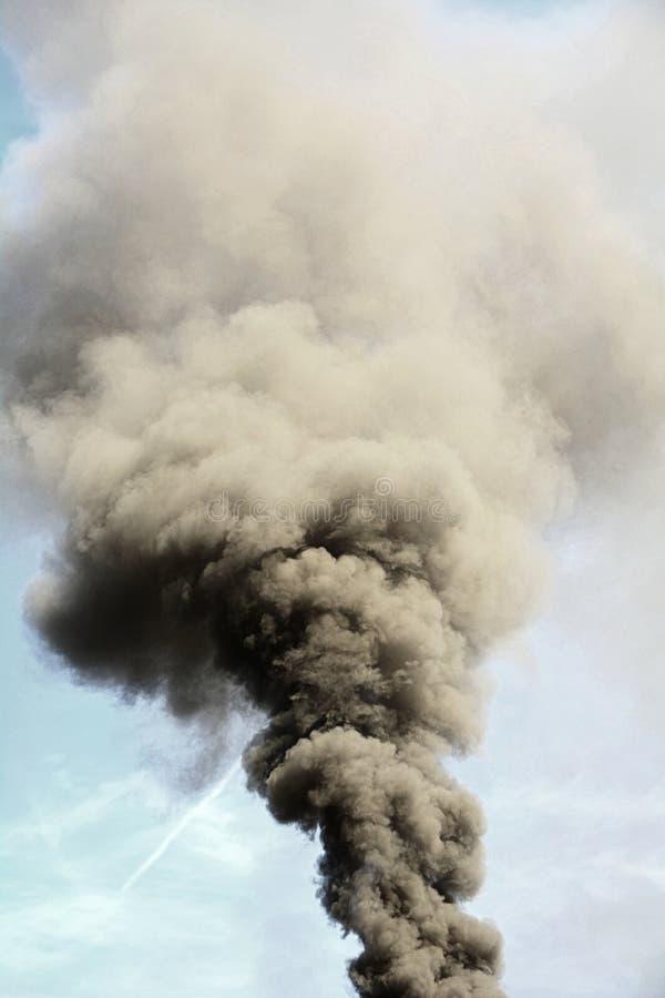 Rökluftförorening royaltyfri foto