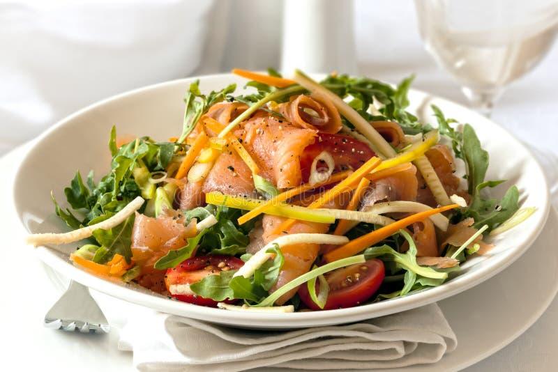 Rökte Salmon Salad arkivfoto