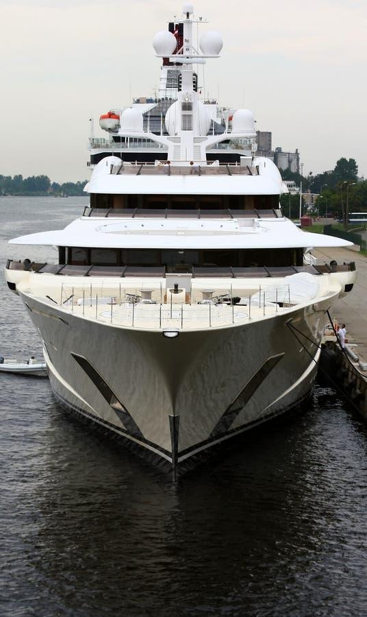 Römische abramovich Yacht. lizenzfreie stockbilder