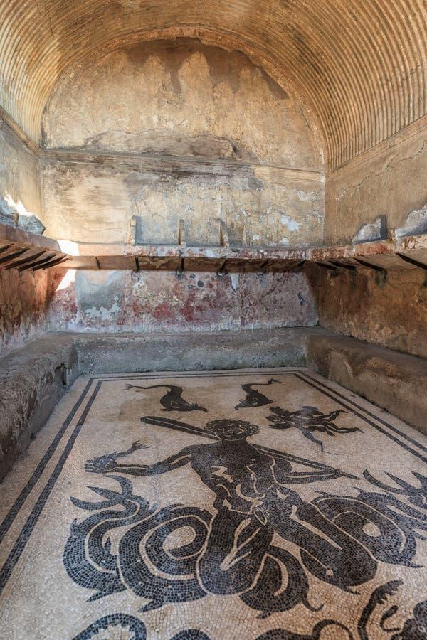 Römische Bäder an der alten Stadt von Herculaneum, Italien lizenzfreies stockfoto