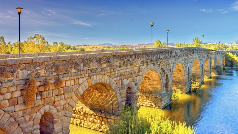 Römische Brücke lizenzfreie stockfotografie
