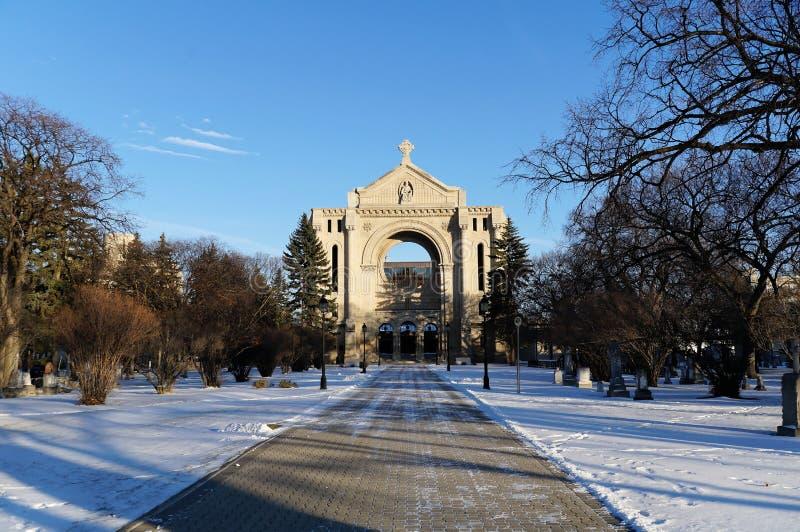 Römische Kathedralenkirche St Boniface im Sommer Winnipeg Manitoba Kanada lizenzfreie stockbilder