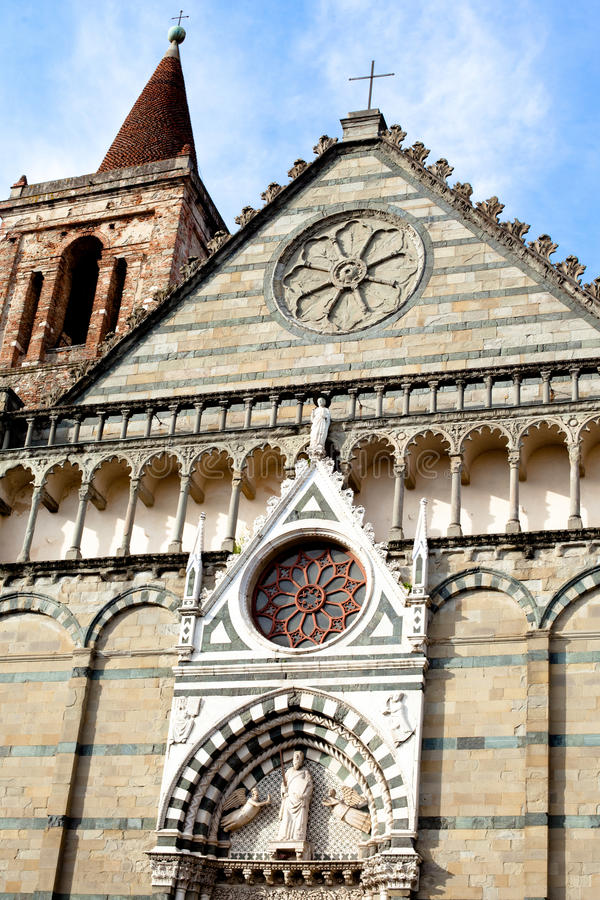 Römische Kirche lizenzfreie stockbilder