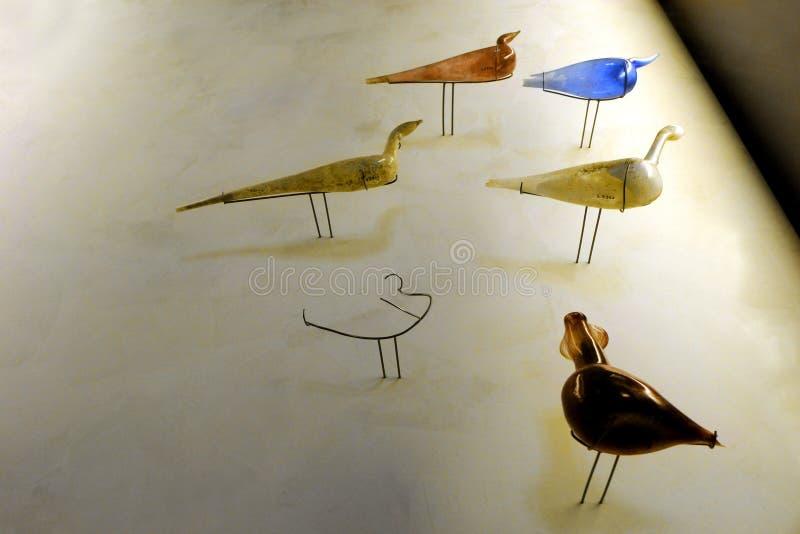 Römische Kunst, Vogelform flacon Flaschen lizenzfreies stockfoto