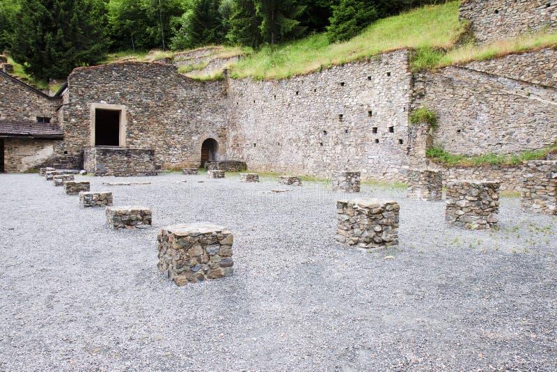 Römische Ruinen in Magdalensberg, Österreich lizenzfreies stockbild