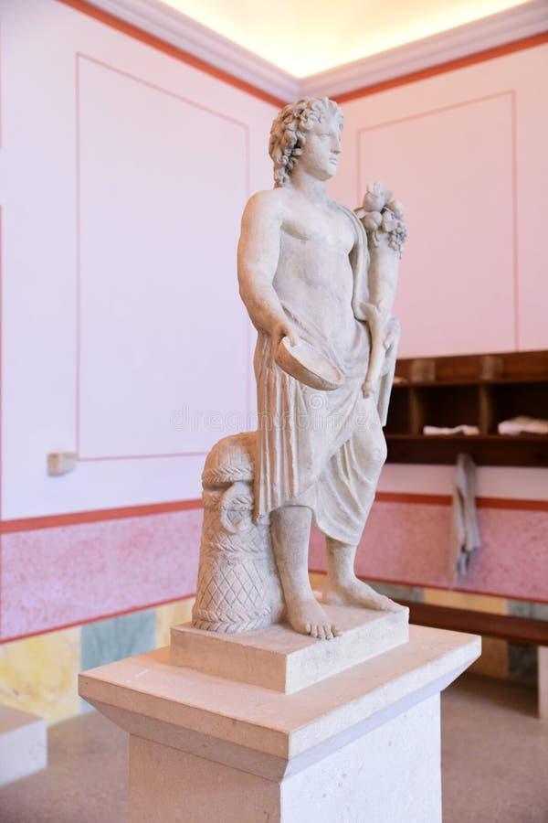 Römische Skulptur in Carnuntum stockbild