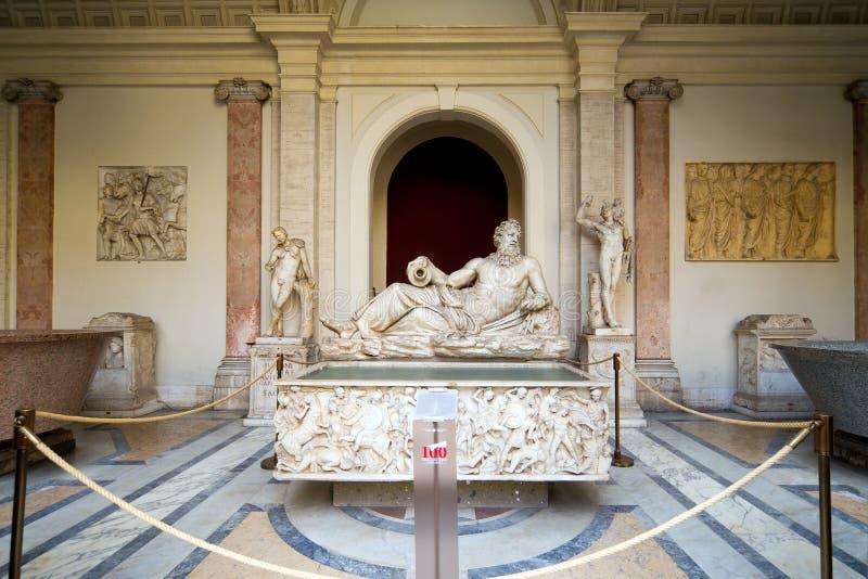 Römische Statuen im Vatican-Museum lizenzfreie stockfotos