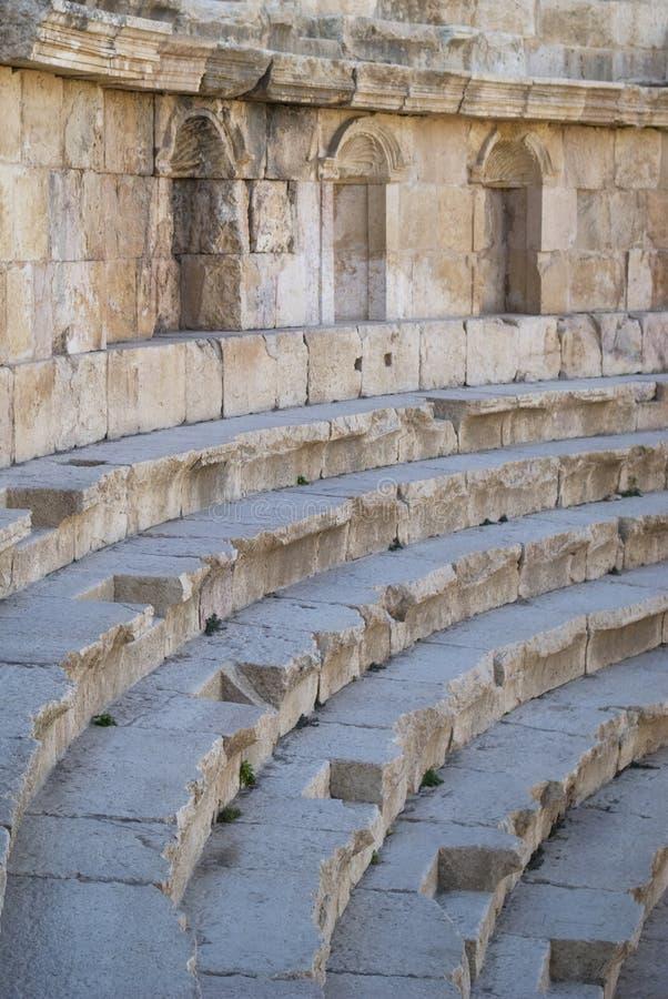 Römische Theatersitzplätze stockfotografie