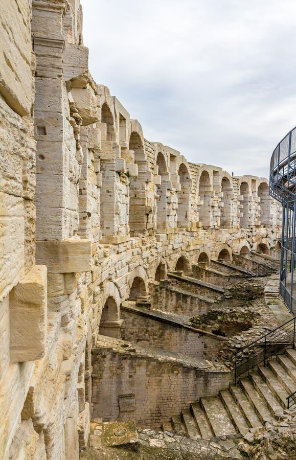 Römischer Amphitheatre in Arles - UNESCO-Erbe in Frankreich lizenzfreie stockfotografie