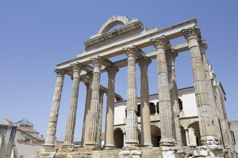 Römischer Tempel von Diana lizenzfreie stockfotos