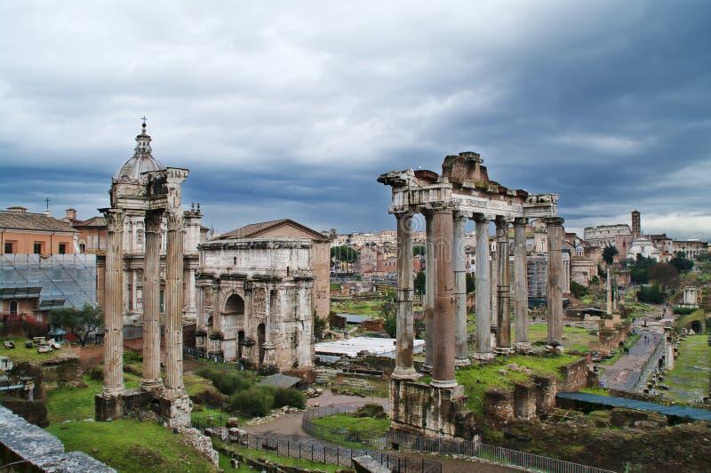 Römisches Forum in Rom, Italien lizenzfreie stockfotos