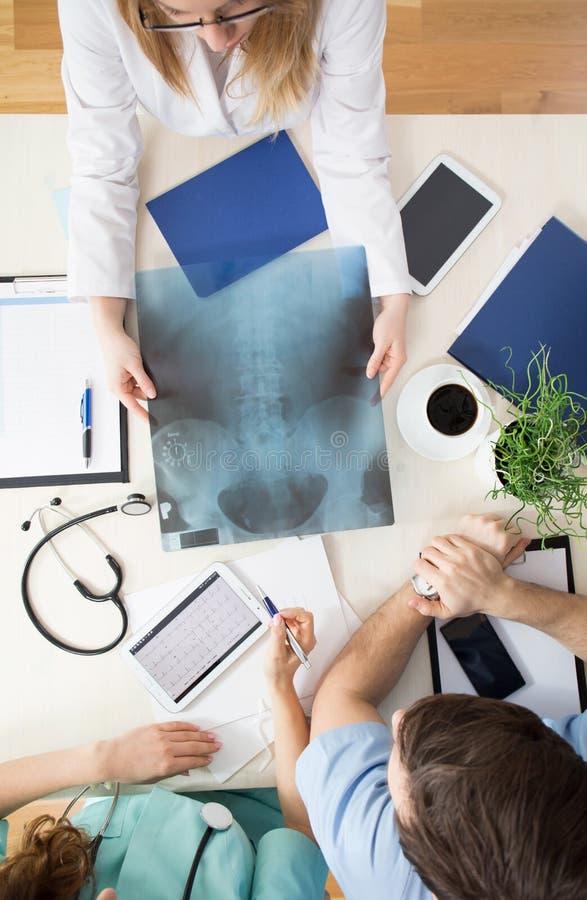 Röntgenstråle av ryggen arkivbild