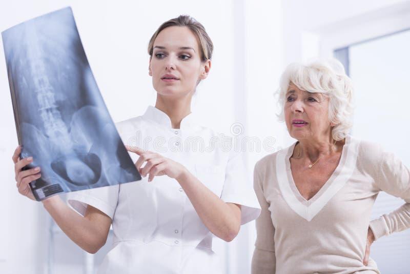 Röntgenstrahlfoto eines Dorns stockfotografie