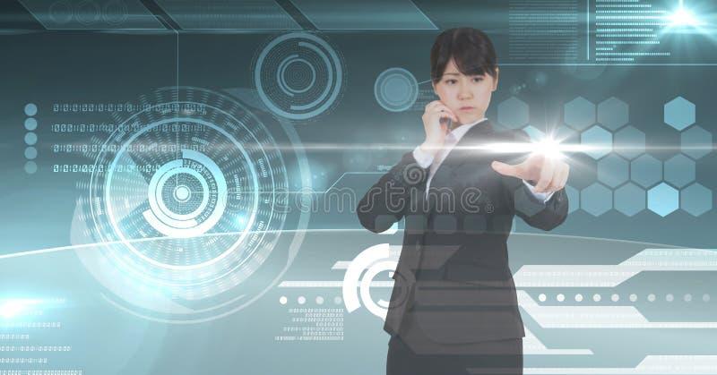 Rörande digital ecran för affärskvinna med hennes finger royaltyfri bild