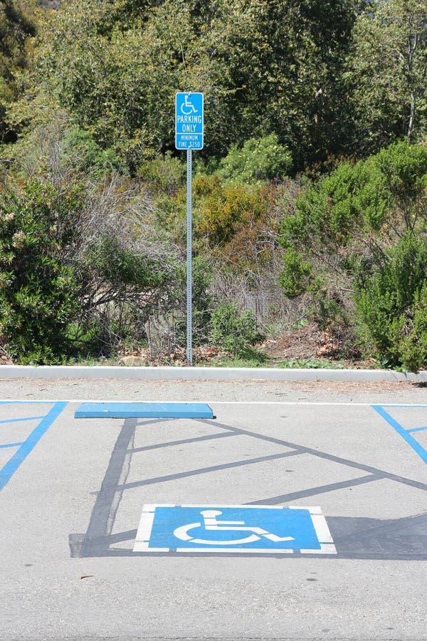 Rörelsehindrad parkeringsfläck royaltyfria foton