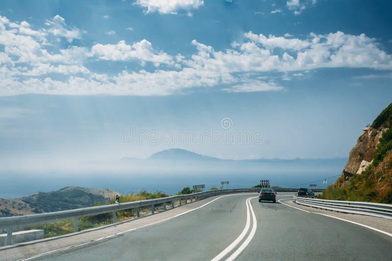Rörelsen av medel på motorvägen, motorway royaltyfria foton
