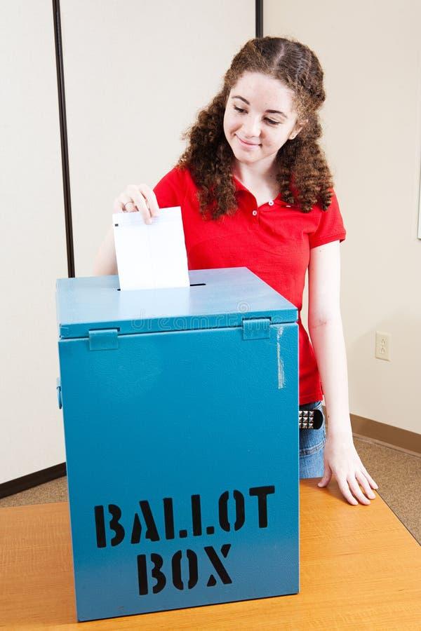 Rösta för första gången royaltyfria foton