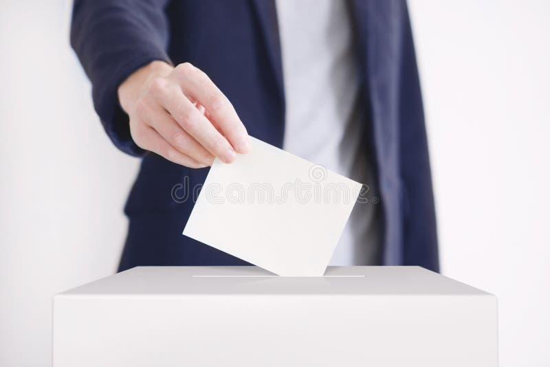 röstning arkivfoto