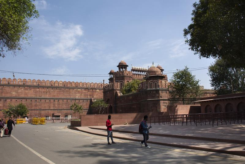 Rött fort eller Lal Qila av världsarvet på den forntida staden av Delhi i New Delhi, Indien royaltyfri foto