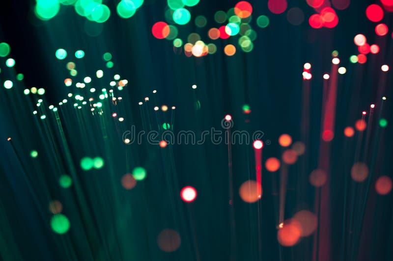 Rött och grönt slut för optisk fiber upp makroskott royaltyfri foto
