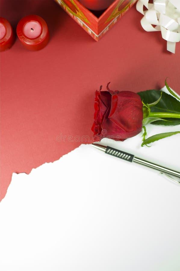 Rött Rose meddelande royaltyfria bilder