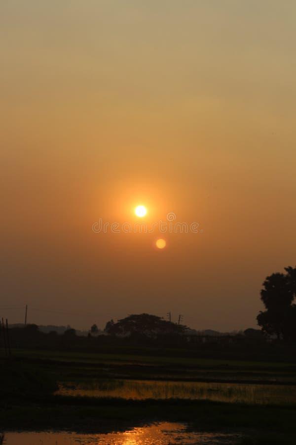 Rött solljus arkivfoto