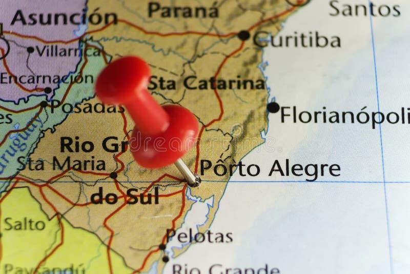 Rött stift på Porto Alegre, Brasilien arkivfoton