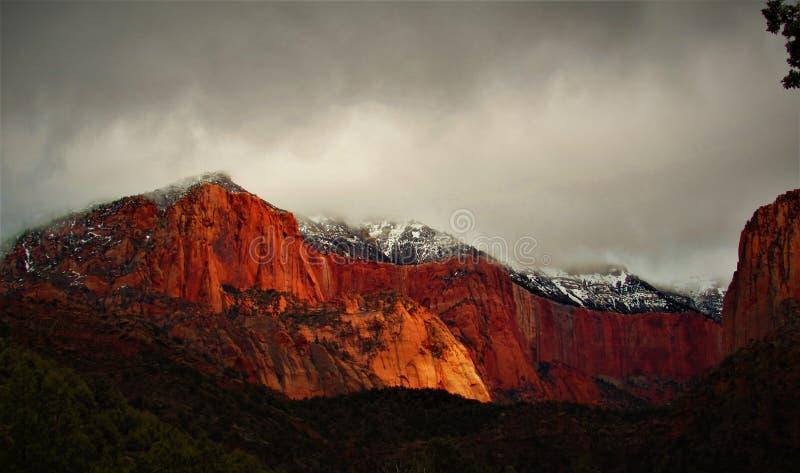 Rött vagga område på den Kolob kanjonen arkivfoton