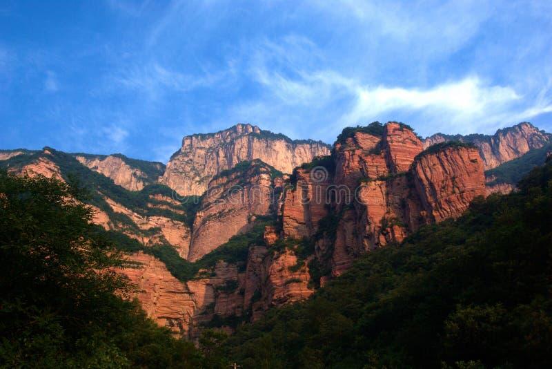 rött zhangshiyan för berg arkivfoto