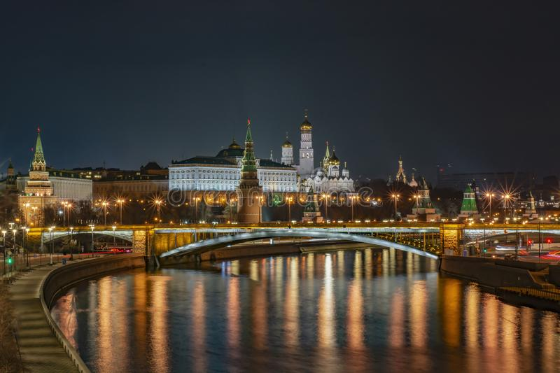 Rússia, Moscou, paisagem da noite, vista do Kremlin imagens de stock royalty free