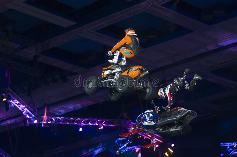 Download Daniel Bodin (snowmobile) E Hugo Ariazu (ATV) Fotografia Editorial - Imagem de perigoso, ação: 29830247