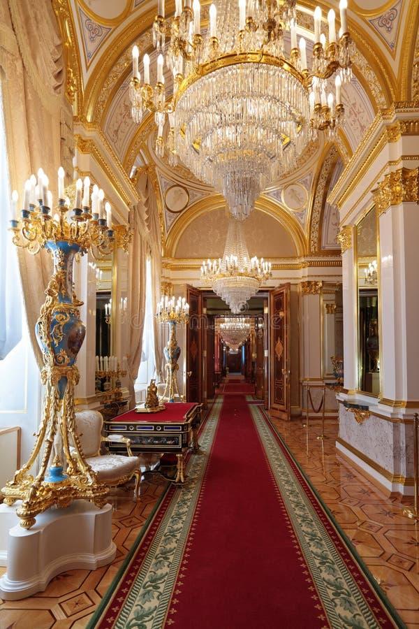Enfilade grande do palácio de Kremlin fotos de stock royalty free