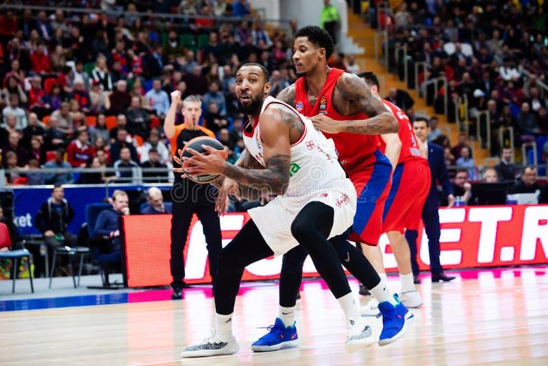 Rússia moscow Arena Megasport 17 de janeiro de 2019 Jogadores de CSKA e de Bayern Munich durante o fósforo de basquetebol de Euro imagem de stock