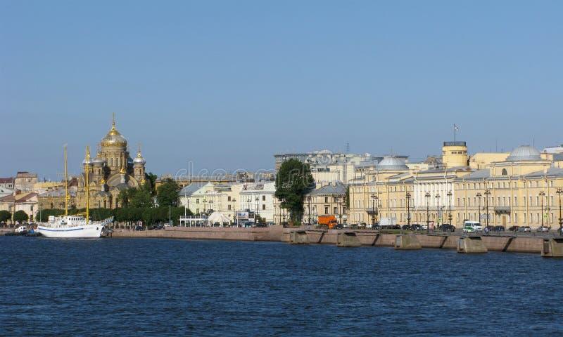 Rússia Panorama do console de Vasilievsky em St Petersburg fotografia de stock royalty free