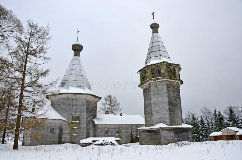 Rússia, região de Arkhangelsk, distrito de Kargopol Igreja de Oshevensky Pogost da vila do esmagamento Bogoyavlenskaya, 1787, o a fotos de stock