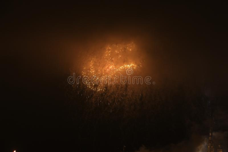 Rússia, St Petersburg, fogos-de-artifício da noite sobre o Peter e o Paul Fortress fotos de stock