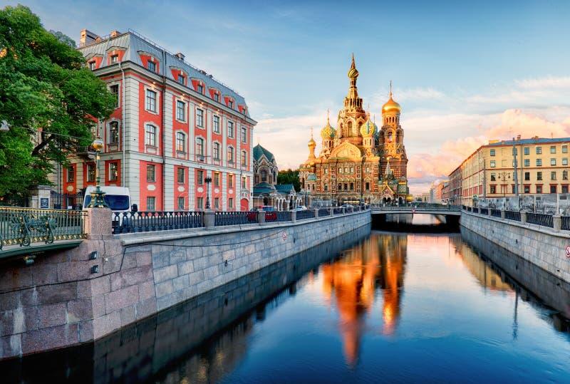 Rússia, St Petersburg - salvador da igreja no sangue derramado fotografia de stock