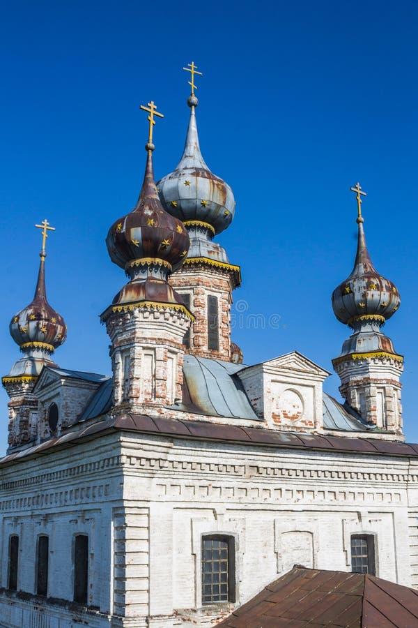 Rússia, Yuryev-Polsky, 30, em maio de 2015: O monastério de Mikhailo-Arkhangelsk, Vladimir Region fotos de stock royalty free