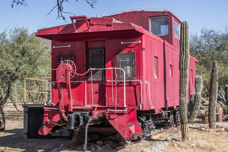 Rückseite der Eisenbahn-Kombüse in Arizona-Wüste stockfotografie