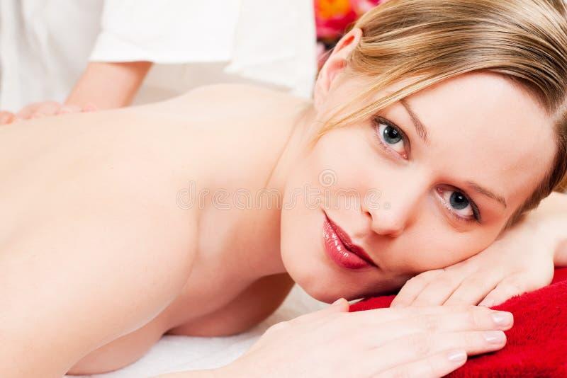 Rückseitige Massage stockfotografie