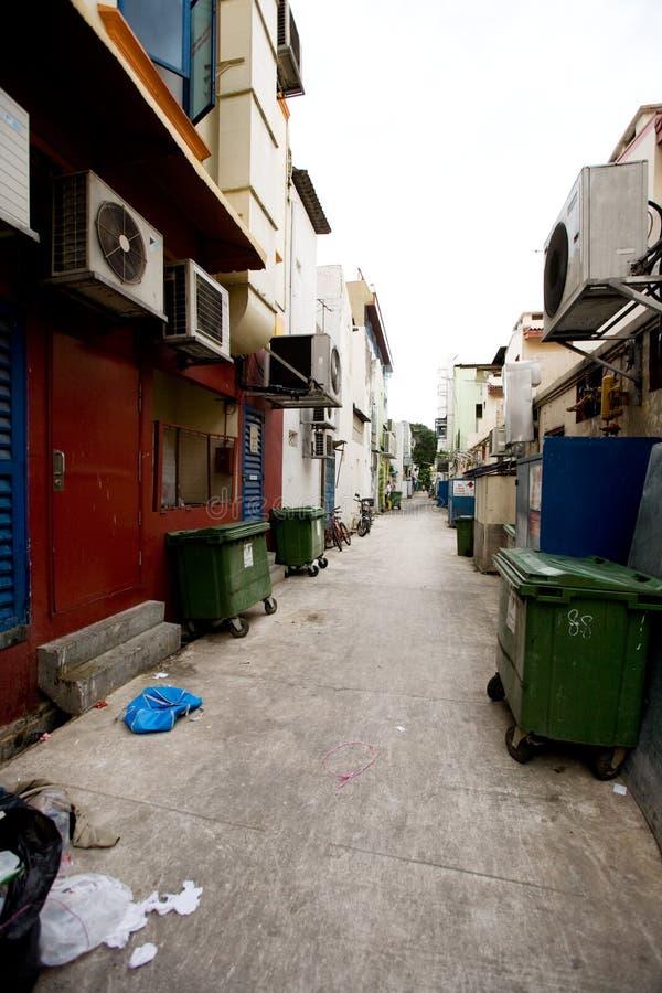 Rückseitiger Gassen-Abfall lizenzfreie stockfotografie