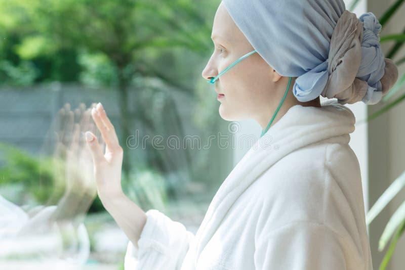 Rührendes Glas Dame lizenzfreies stockfoto