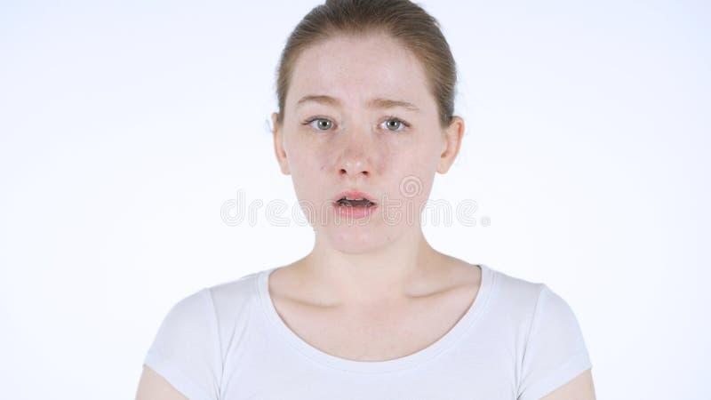 Rütteln des Kopfes, um, nein durch junge Rothaarige-Frau zurückzuweisen stockbilder