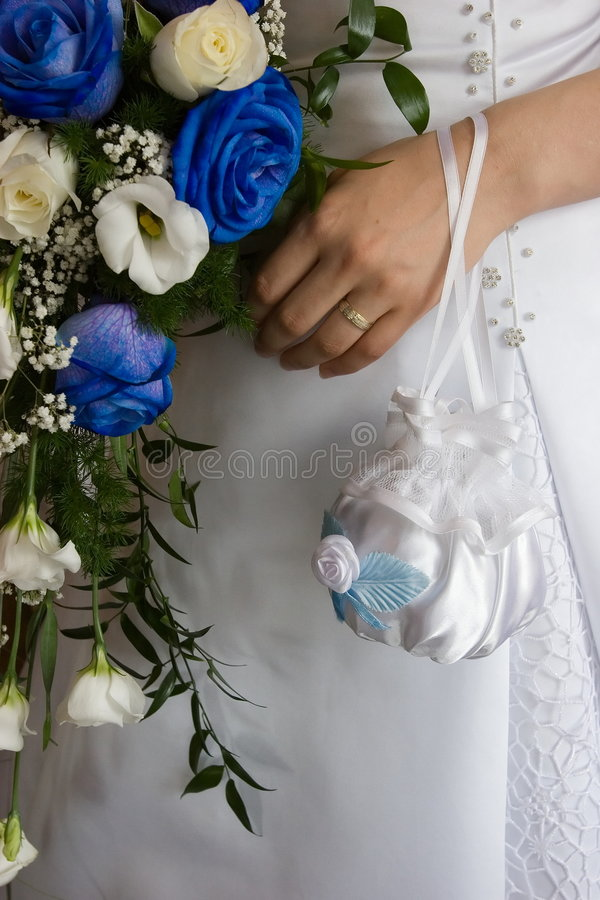 ręce na bukiet. fotografia stock
