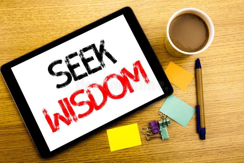 Ręcznie pisany teksta podpisu seansu aport mądrość Biznesowy pojęcia writing dla inspiraci wiedzy Pisać na pastylka laptopie, dre obraz royalty free