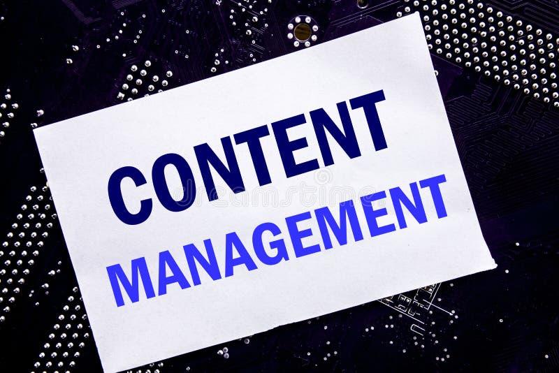 Ręcznie pisany teksta seansu zawartości zarządzanie Biznesowy pojęcie dla Cms Online strony internetowej Pisać na kleistej notatc fotografia stock